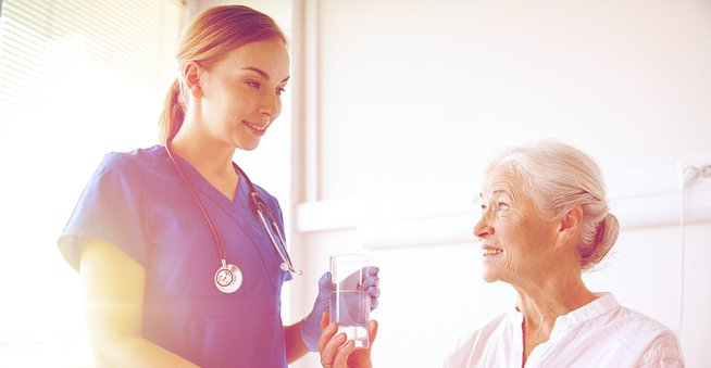 5 Ways The Right Employee Communication App Benefits Hospitals